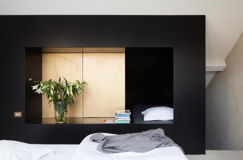 Shelter 7 apartment belgi gent for Design appartement gent