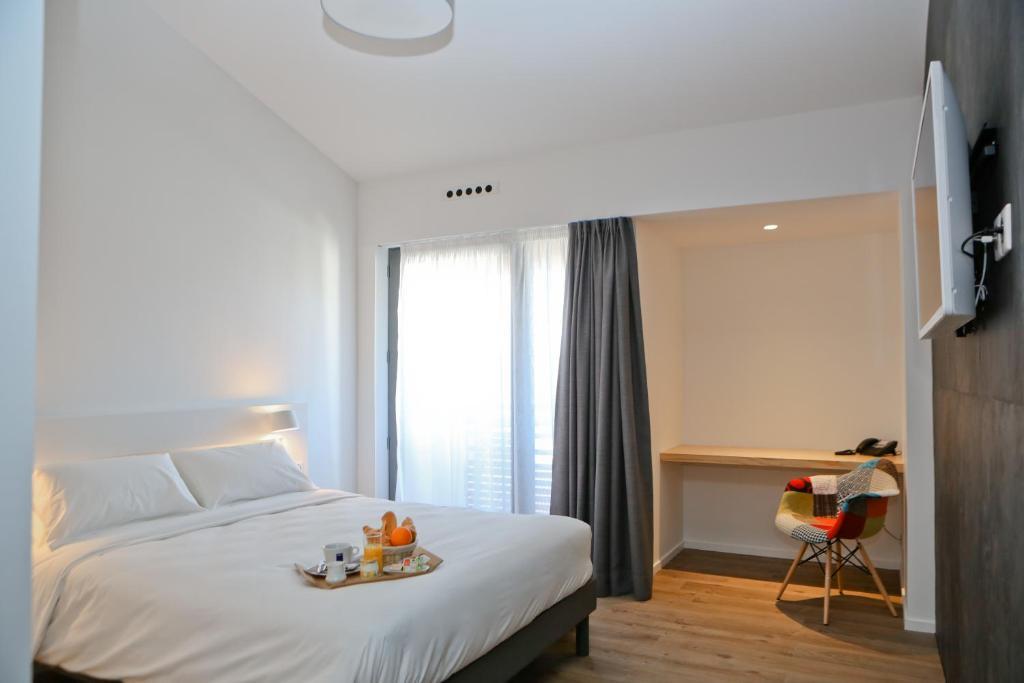 Hotel Restaurant Santiago (France Hendaye) - Booking.com