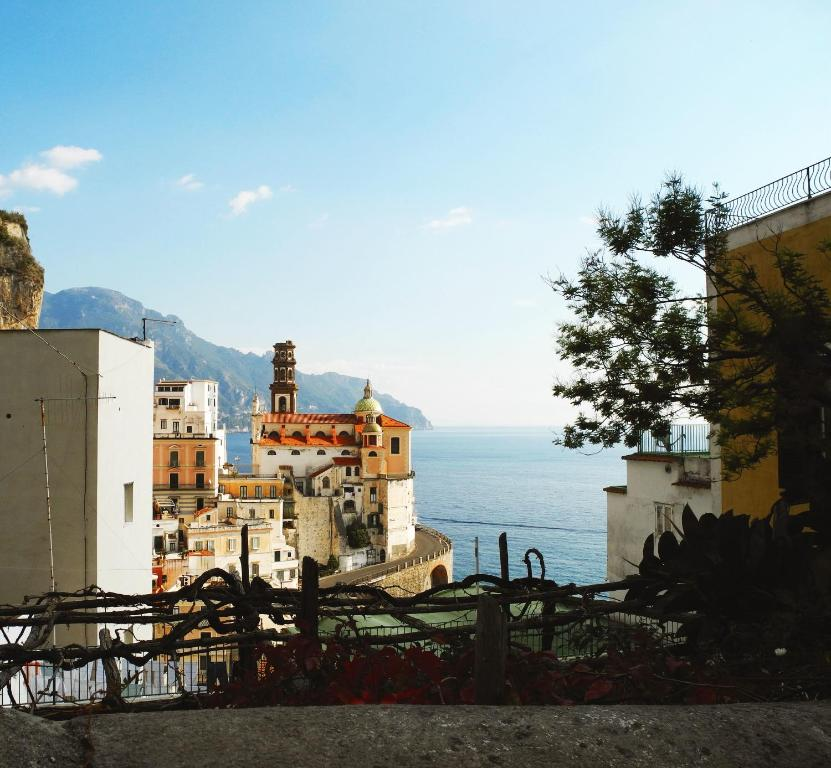 Apartment amalfi antica atrani italy for Apartments amalfi