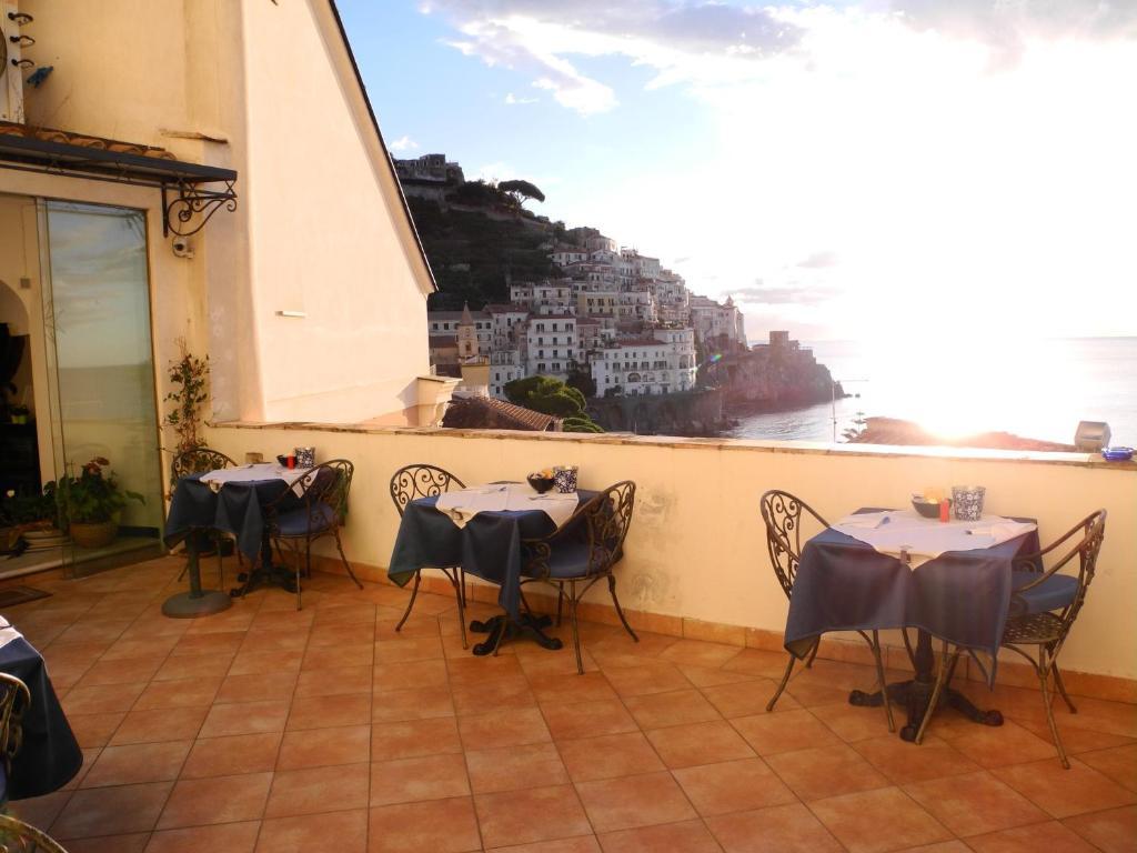 Vasca Da Bagno Amalfi Prezzo : Hotel croce di amalfi amalfi u prezzi aggiornati per il