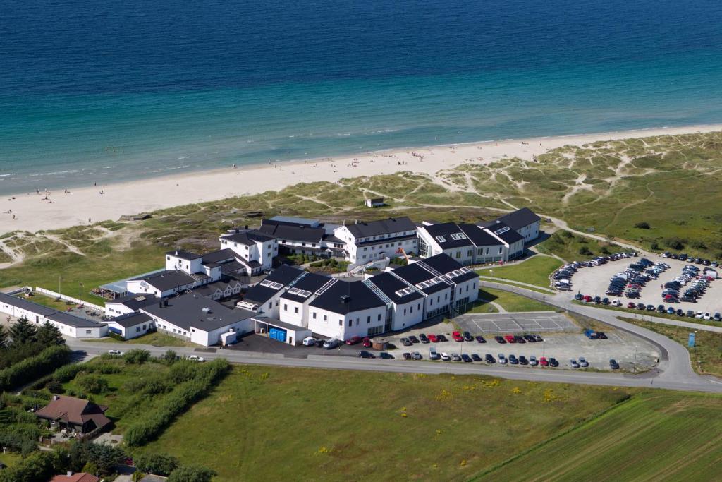 Bilderesultat for sola strand hotel hotels.com
