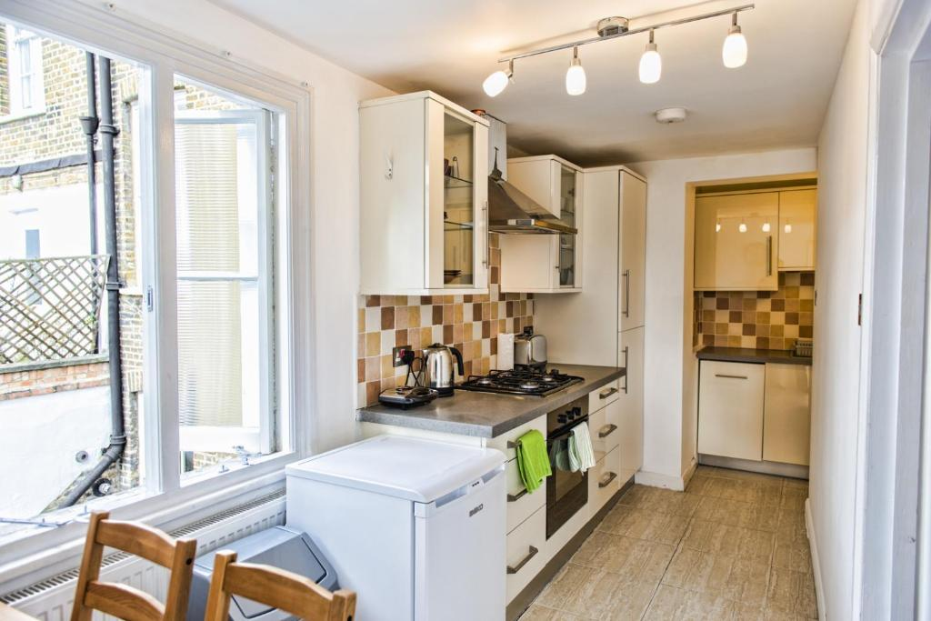 apartment 3 bedroom. gallery image of this property apartment 3 bedroom a