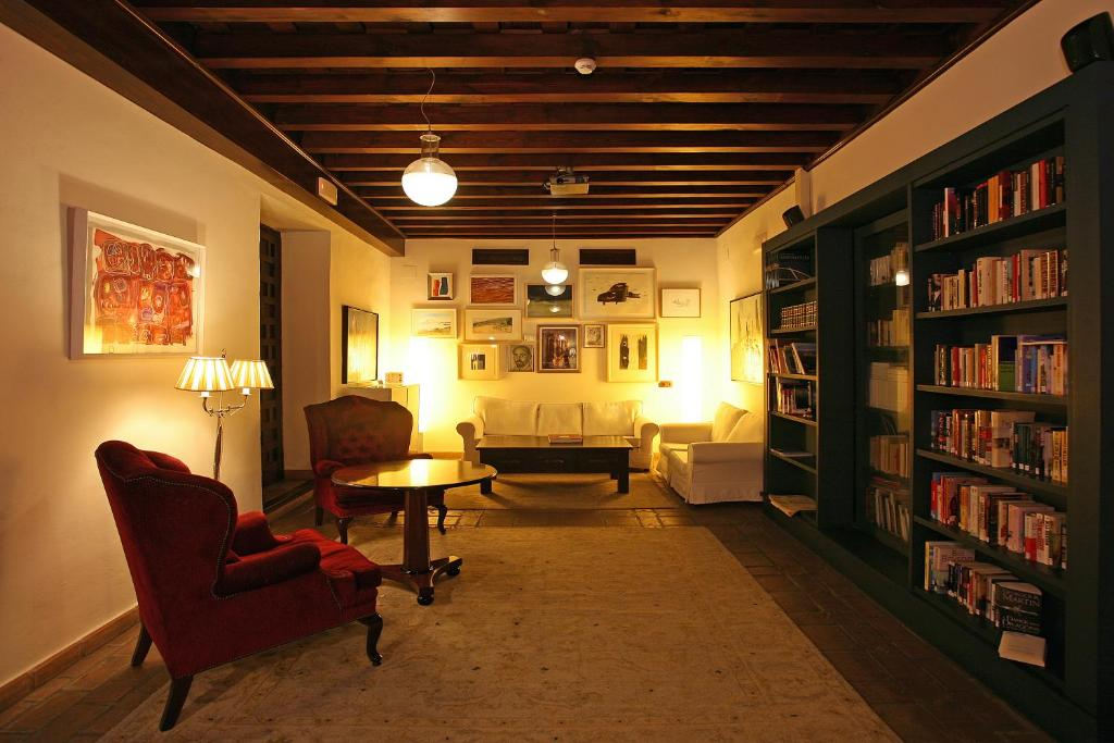 boutique hotels in granada  35