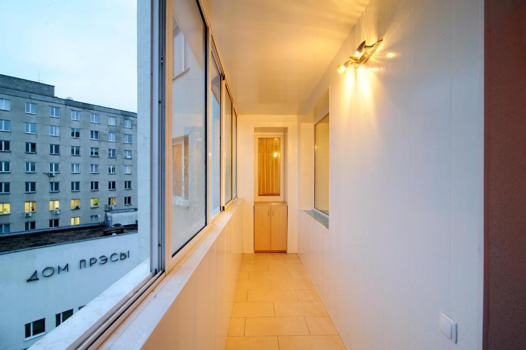 Светильники на балкон и лоджию: как провести свет и сделать .