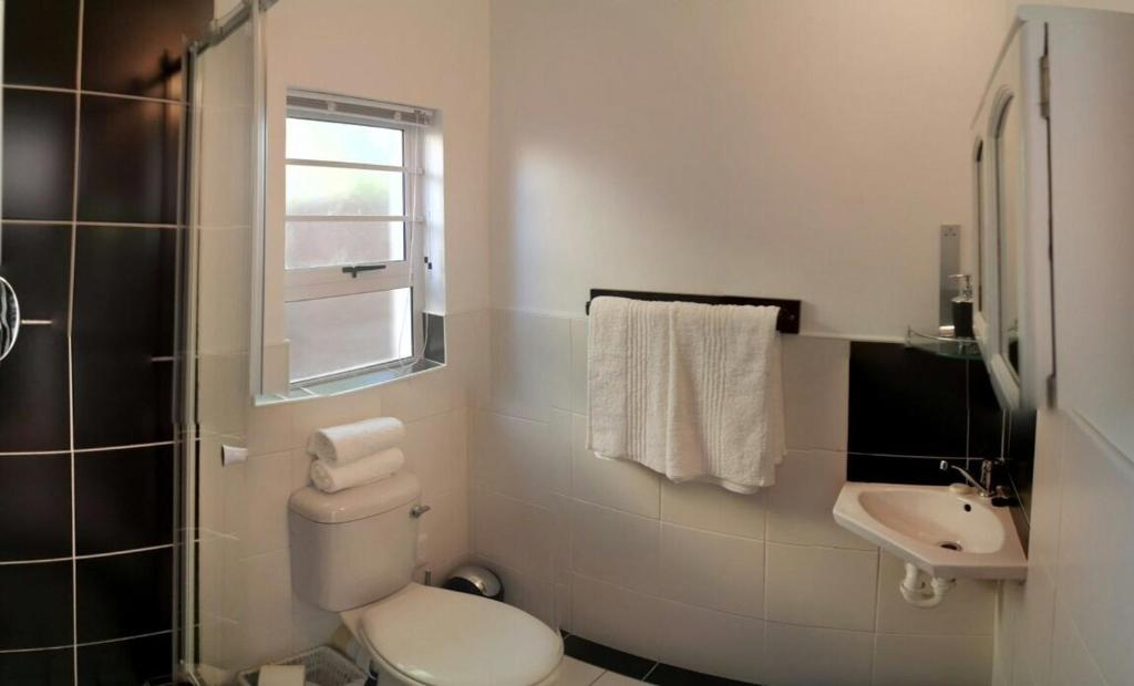 Bathroom Doors Cape Town two door cottage, cape town, south africa - booking