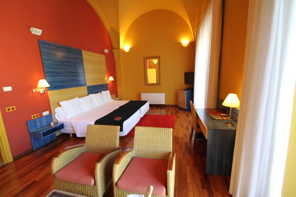hoteles con encanto en castelló d'empúries  7