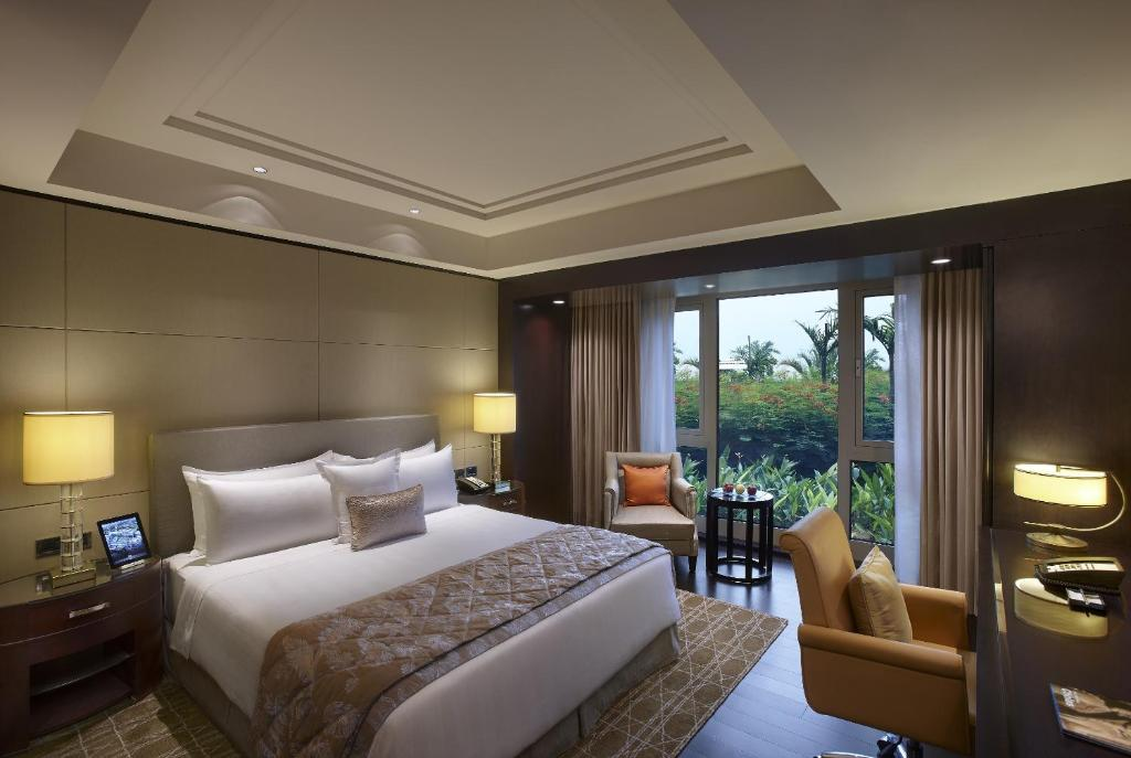 Hotel ITC Grand Chola A Luxury Collection Chennai India - 8 awesome extras in luxury hotel rooms