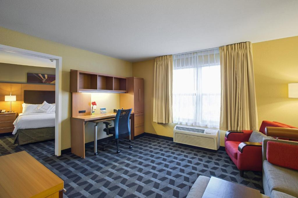 ... Kansas City Overland Park Hotel Reserve Now. Gallery Image Of This  Property Gallery Image Of This Property Gallery Image Of This Property ...