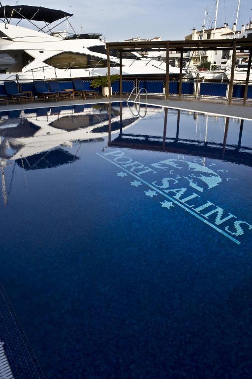 Hotel Port Salins, Empuriabrava, Spain - Booking.com