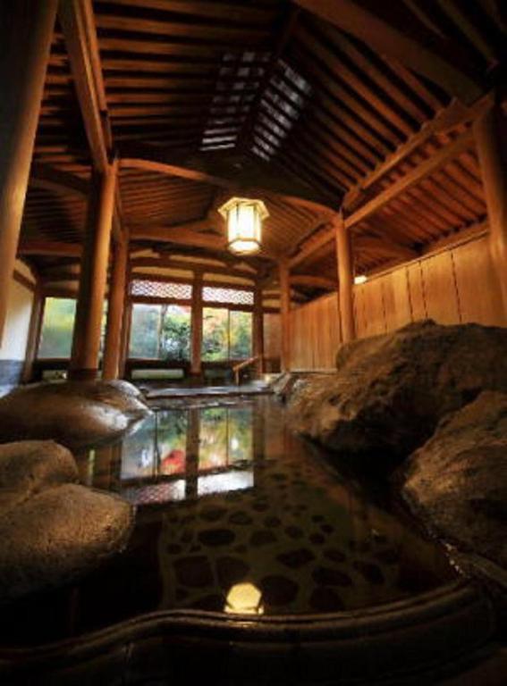 ポイント1.文化財の大浴場