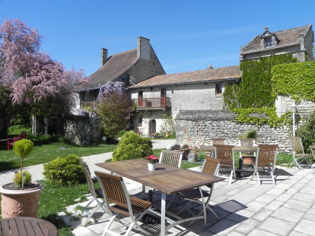 Hotel The Originals Pigeonnier Du Perron  Ex Relais Du Silence   Availles En Chatellerault