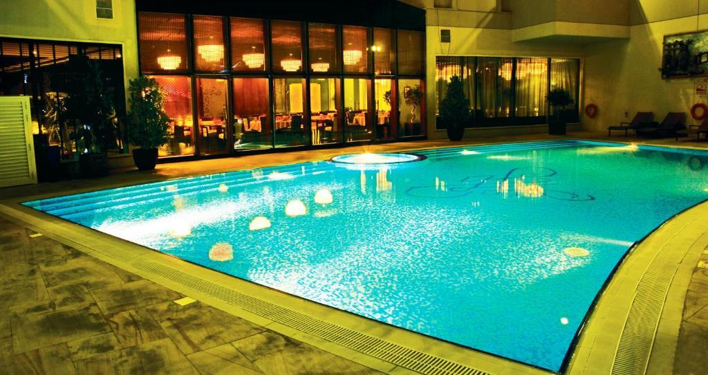 Flora Park Hotel Apts, Dubai, UAE - Booking.com