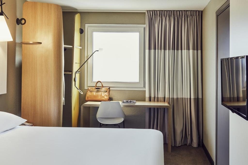 ikea la valette horaires affordable ikea la valette horaires with ikea la valette horaires. Black Bedroom Furniture Sets. Home Design Ideas
