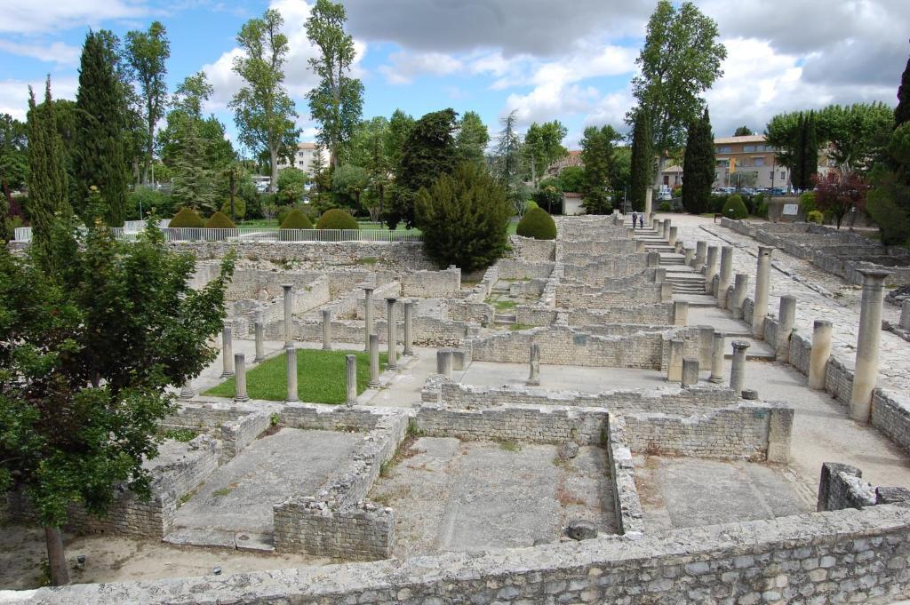 Appartement vaison la romaine france vaison la romaine - Hotel vaison la romaine piscine ...