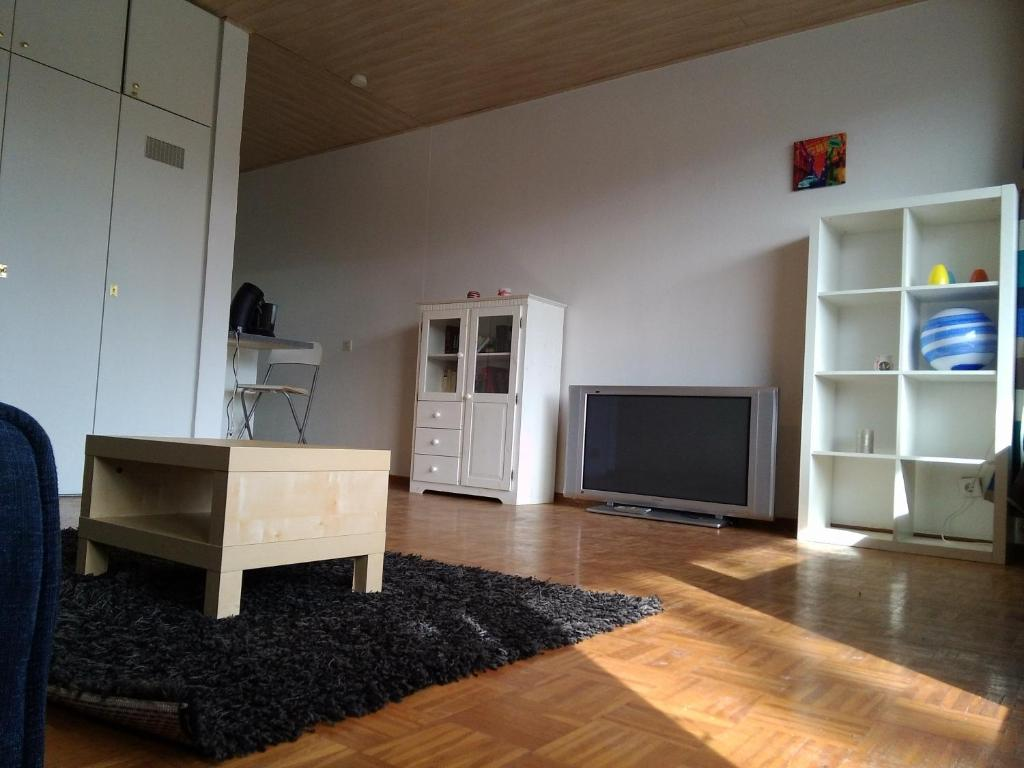 apartment hagen city flat germany. Black Bedroom Furniture Sets. Home Design Ideas