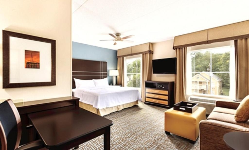 Hotel Suites Atlanta Airport North Ga Booking Com