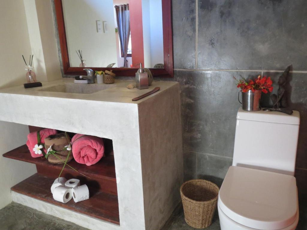guest house turtle surf camp siargao general luna philippines