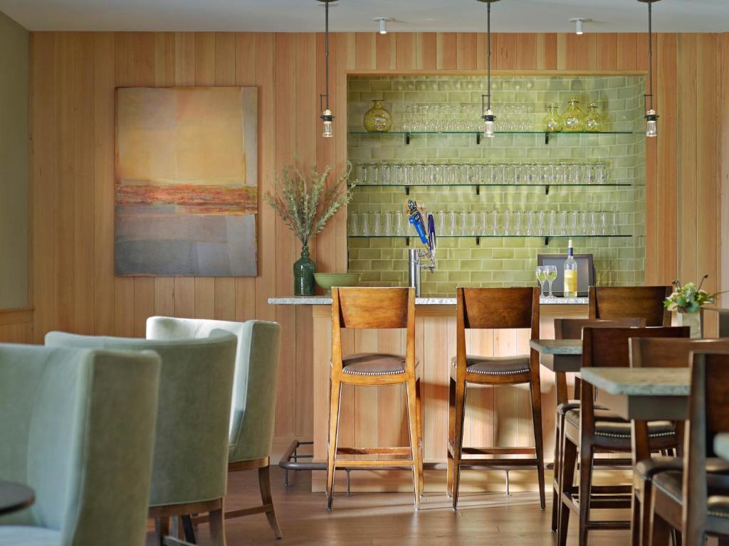 green mountain suites hotel burlington vt booking com