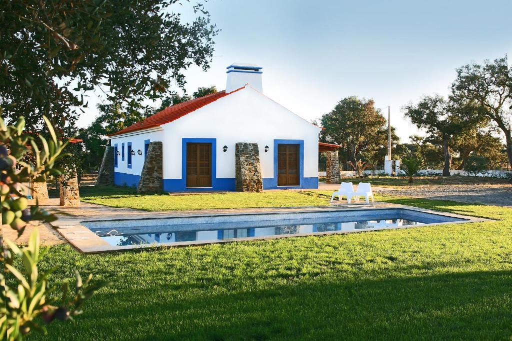 Monte Azul - Casas de Campo do Junqueirinho, Bicos – Updated 2018 Prices