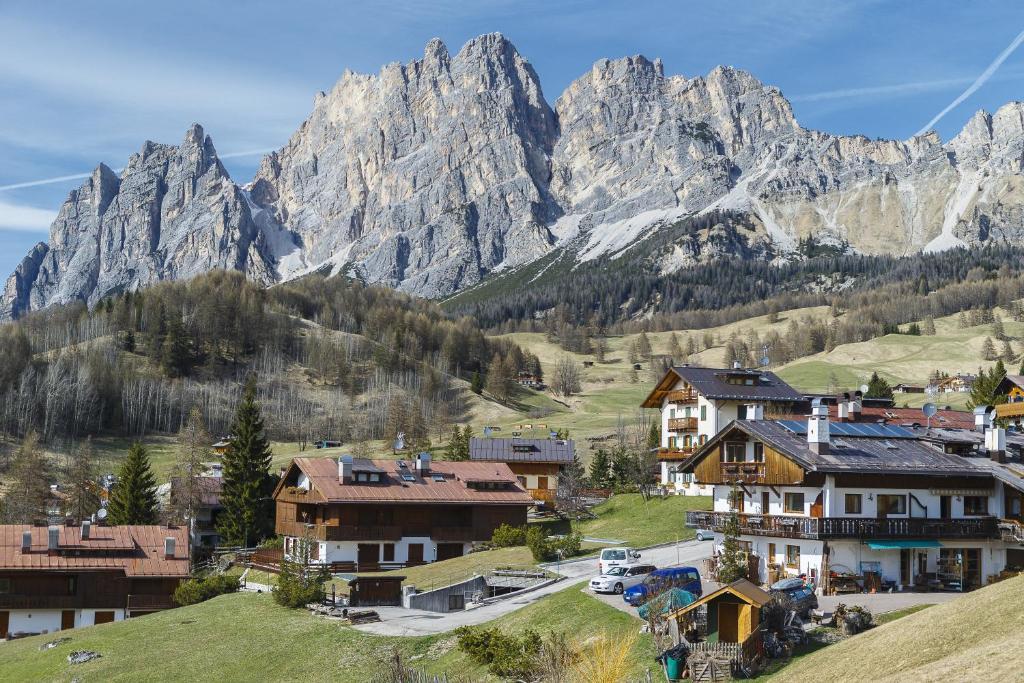Chalet Alver Cortina dAmpezzo Italy Bookingcom