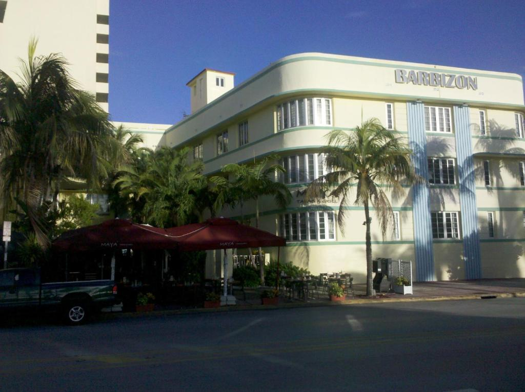 Apartment Studio Barbizon, Miami Beach, FL - Booking.com