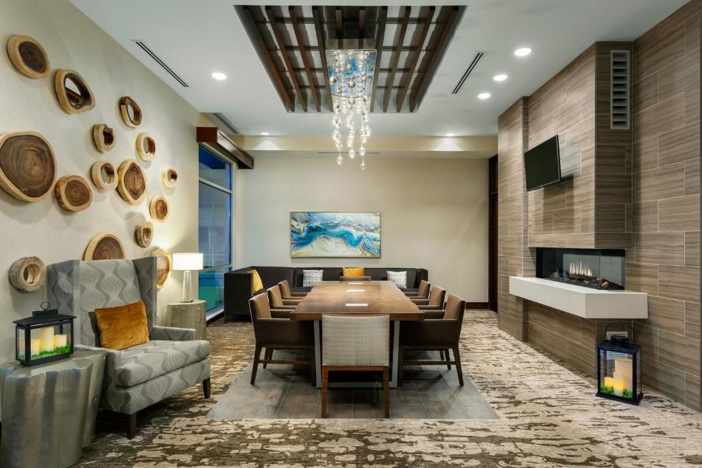 gallery image of this property - Hilton Garden Inn Palo Alto