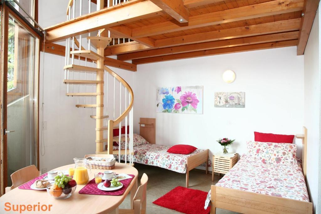 Camere Familiari Lugano : Lugano savosa youth hostel lugano u prezzi aggiornati per il