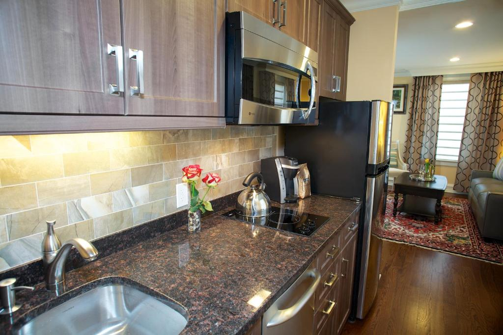 guest house norwalk inn ct booking com