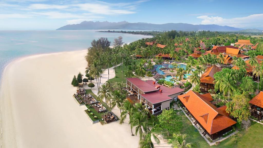Uma vista aérea de Meritus Pelangi Beach Resort And Spa, Langkawi