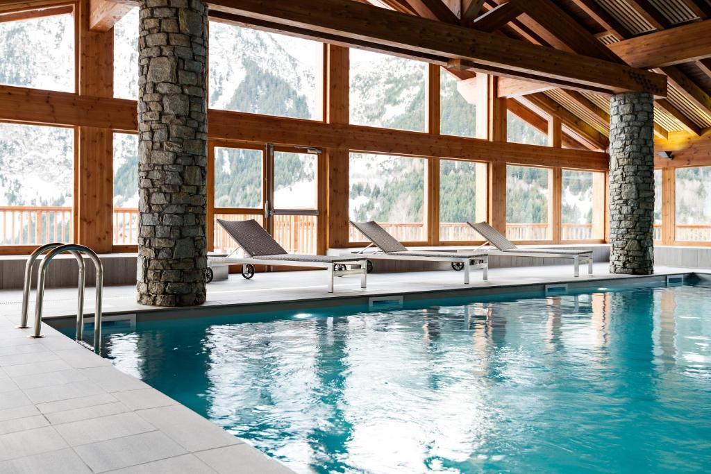 Appart 39 h tel les hauts de la vanoise france pralognan la for Appart hotel montpellier avec piscine