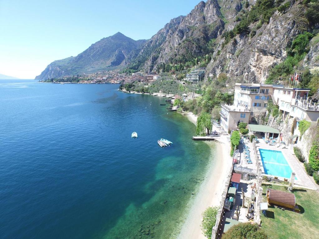 Hotel Villa Romantica Limone Sul Garda Italy Bookingcom