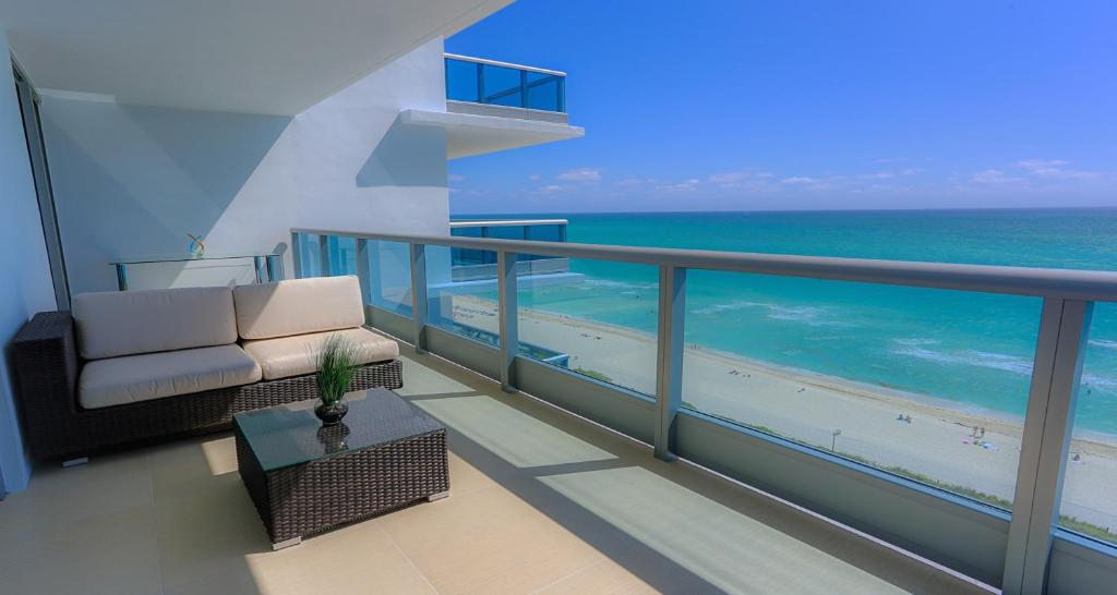 Apartment Suite Life Miami Monte Carlo, Miami Beach, FL ...