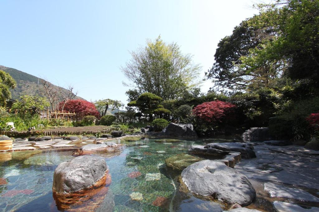 ポイント1.箱根で唯一!混浴庭園露天