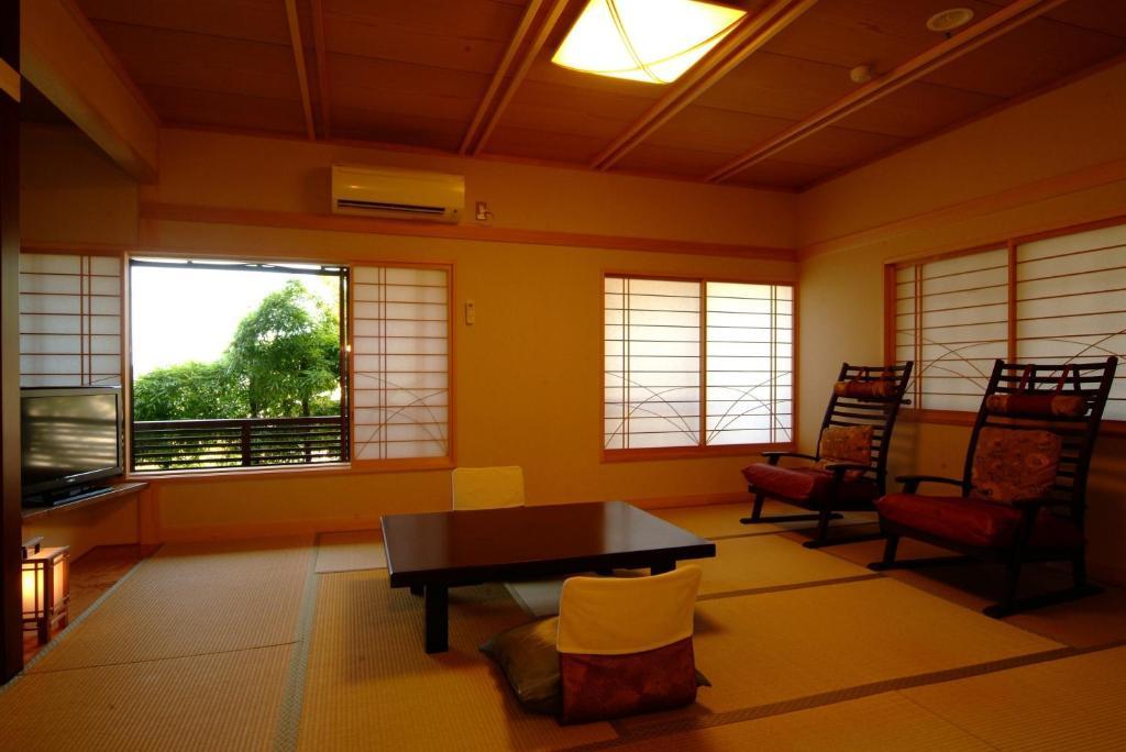 ポイント3.個室食でプライベート空間を満喫