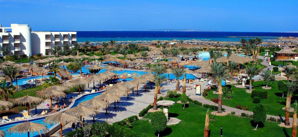 "Результат пошуку зображень за запитом ""Hilton Hurghada Long Beach Resort"""