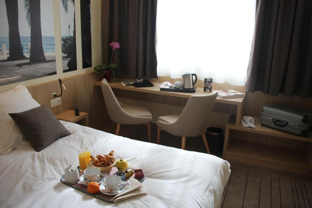 """Résultat de recherche d'images pour """"brit hotel mormant sur vernisson"""""""