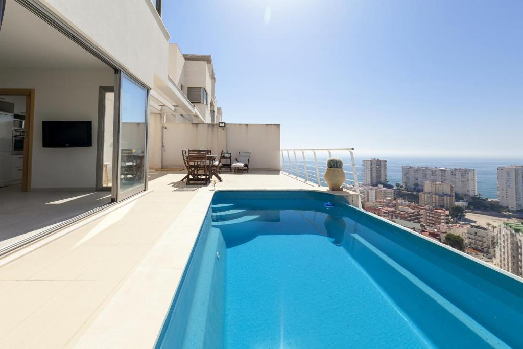 villa cullera infinity pool spain