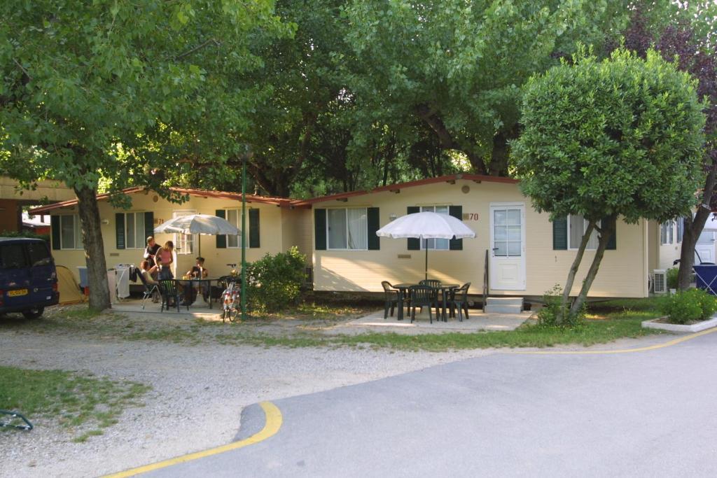 camping wien gardasee mobilheim camping wien gardasee. Black Bedroom Furniture Sets. Home Design Ideas