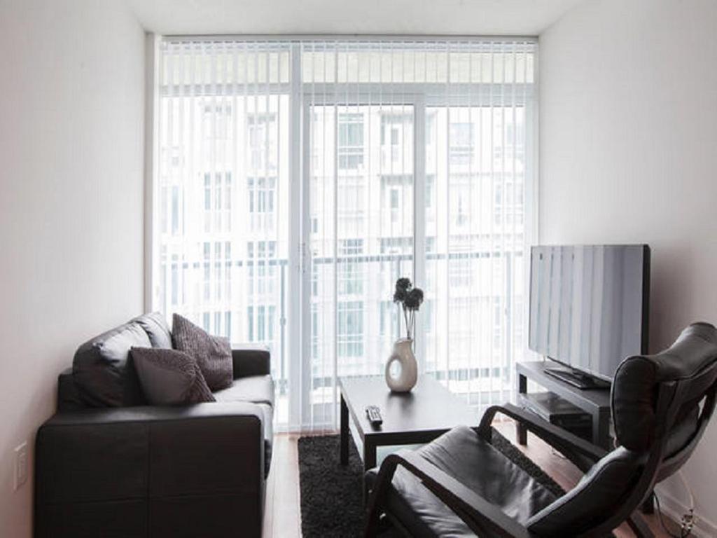 Apartment Elite Suites   2 Bedroom  Toronto  Canada   Booking com. 2 Bedroom Apartments For Rent Toronto Queen West. Home Design Ideas