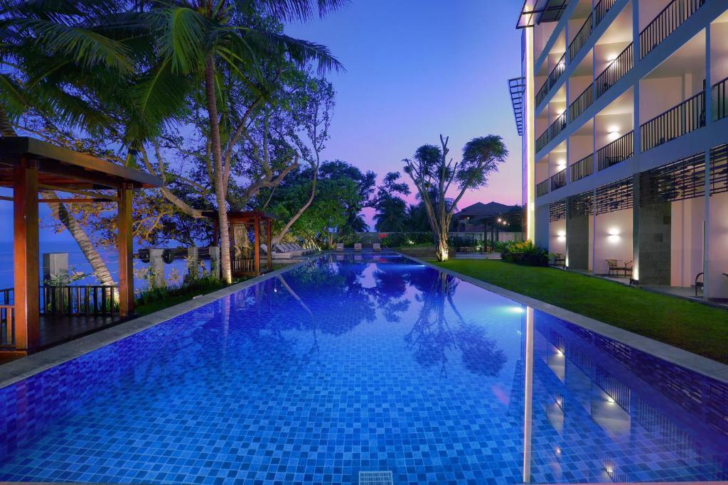 aston anyer beach hotel indonesia booking com rh booking com