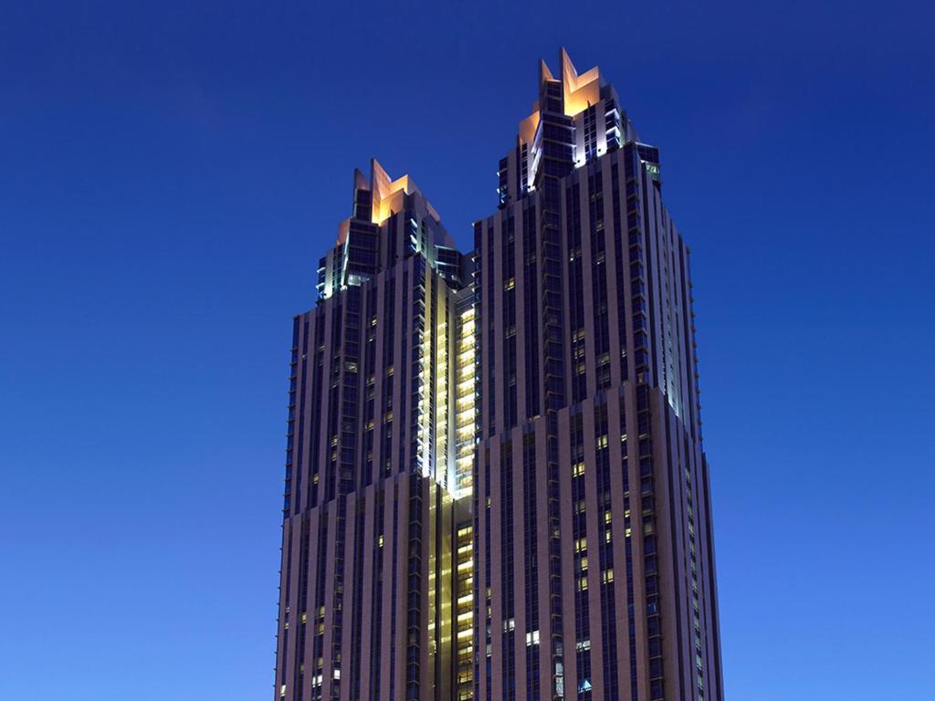 Shangri-La Apartments, Dubai, UAE - Booking.com