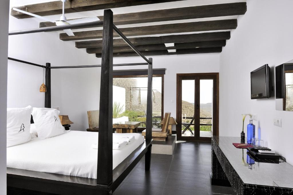 boutique hotels in agua amarga  71