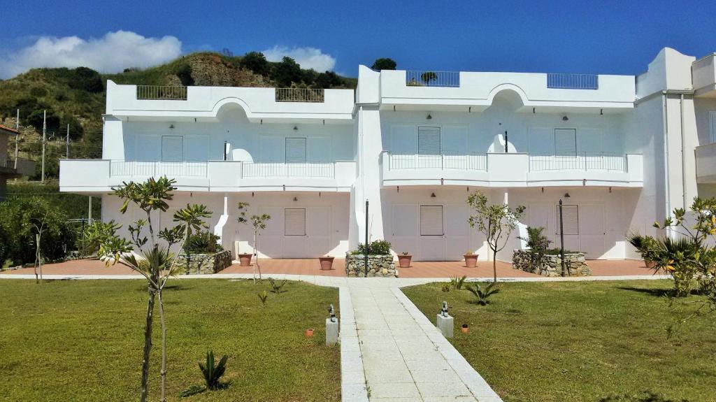 Appartamenti sul mare rivazzurra belvedere marittimo for Appartamenti barcellona sul mare