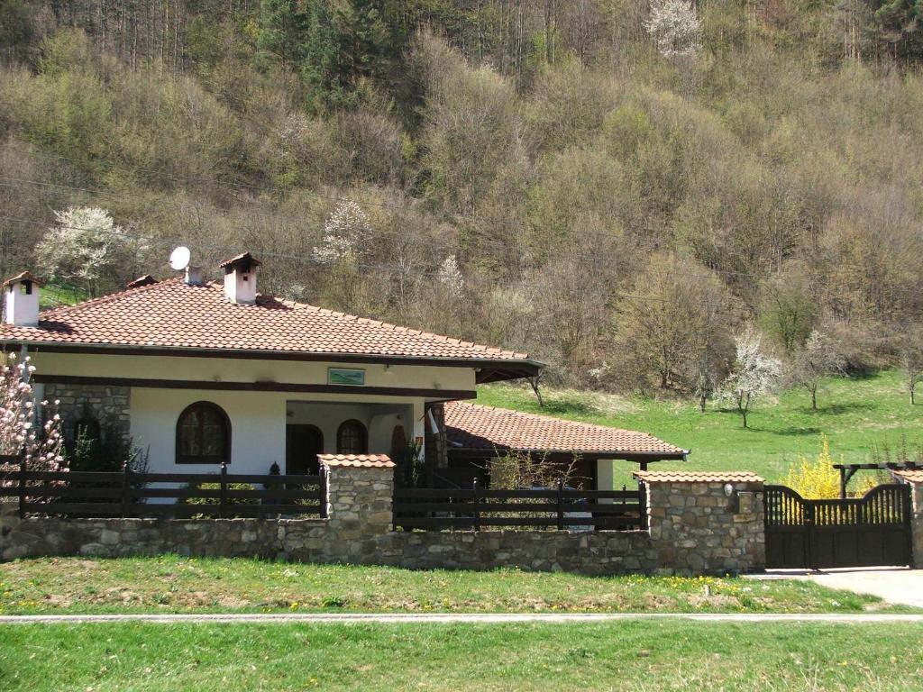 Селска къща за гости Klimasha House - Рибарица