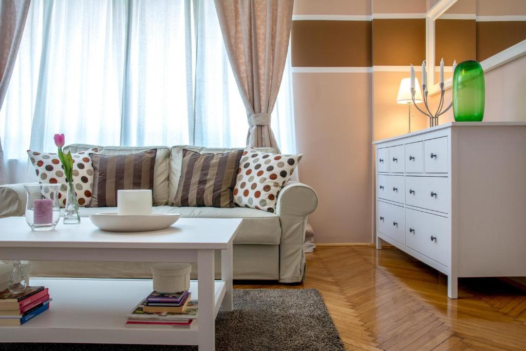 Living Room Zagreb apartment diva, zagreb, croatia - booking
