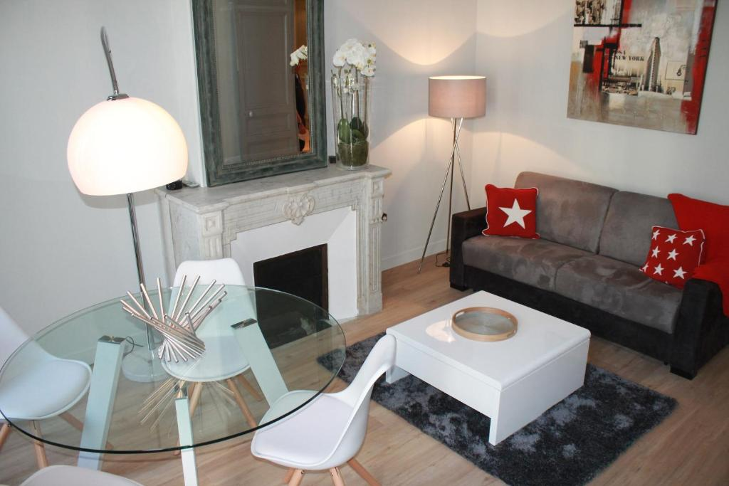 A seating area at Apartment Oceanide