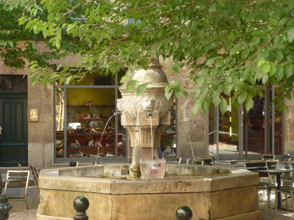 Petit casino rue d'italie aix en provence horaires