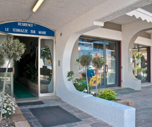 Residence Le Terrazze Sul Mare, San Mauro a Mare, Italy - Booking.com