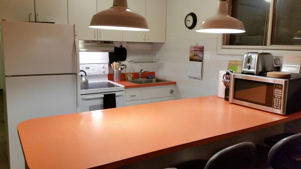 A kitchen or kitchenette at 3 Bedroom apartment on Hunter Mountain