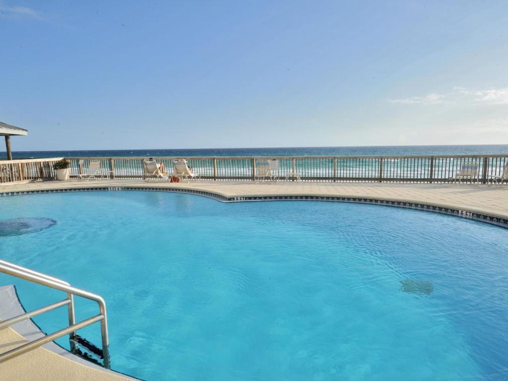 Condo Hotel Beach House Condominiums, Destin, FL - Booking.com on